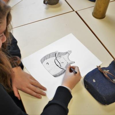Découverte du dessin scientifique - gourde de poilu