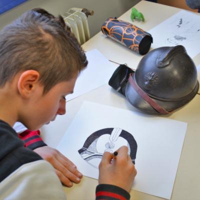 Découverte du dessin scientifique - casque de poilu