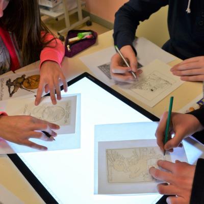Utilisation de la tablette lumineuse - réalisation de cartes postales